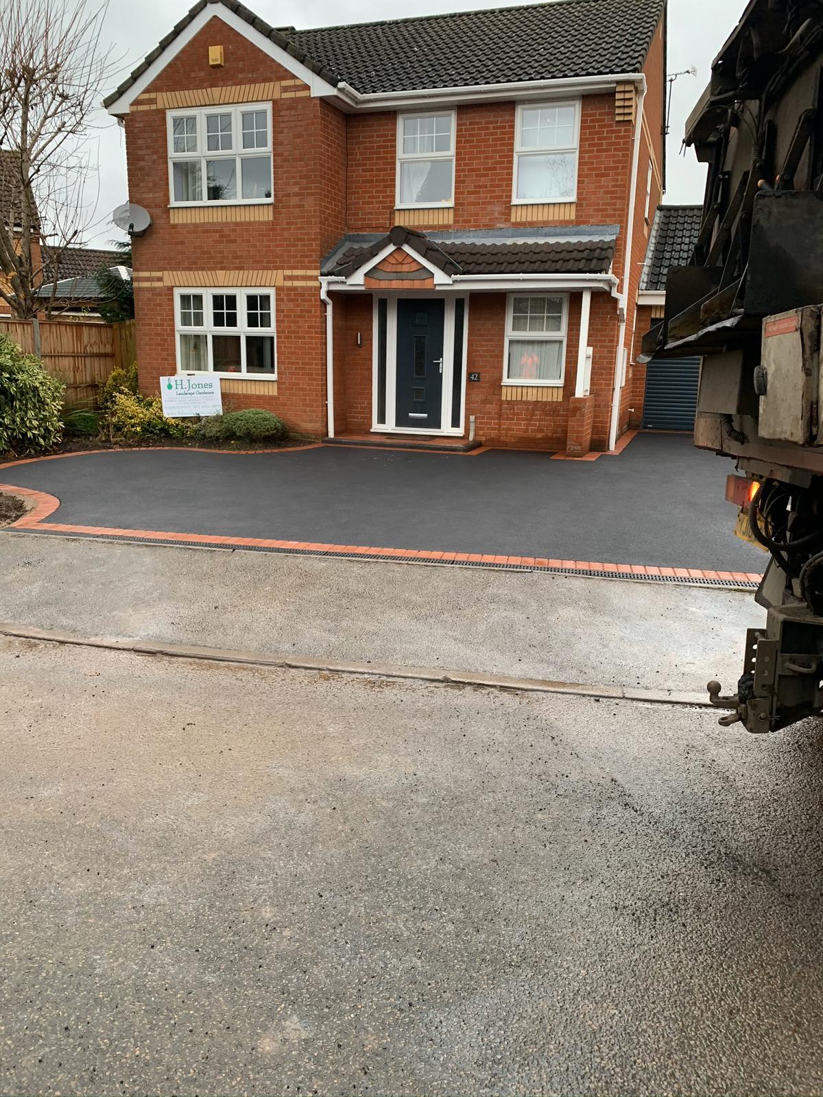Finished tarmac driveway project in nuneaton