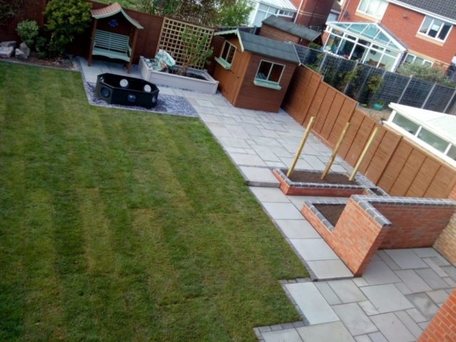 Customers garden after full maintenance by H Jones Landscapes